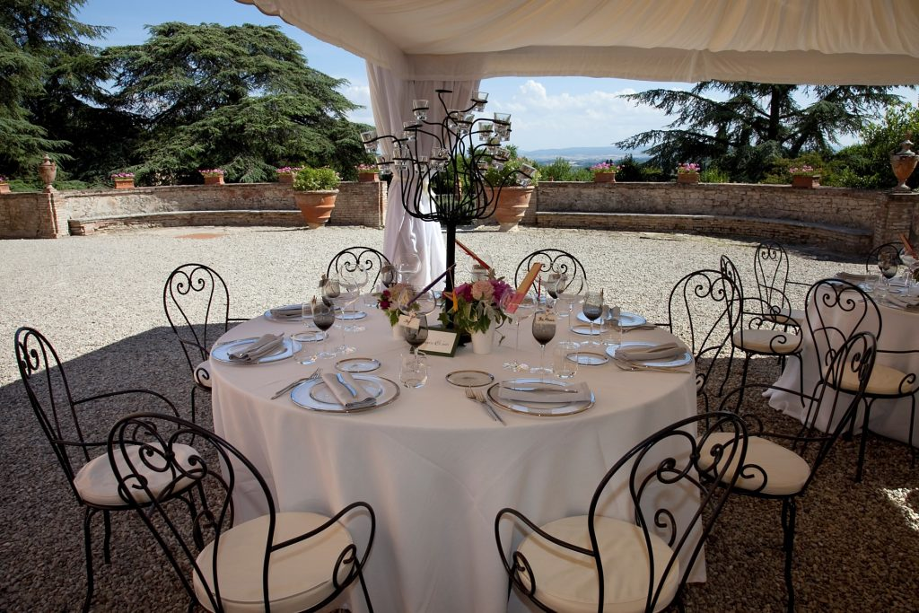 wedding reception in villa fattoria catignano siena