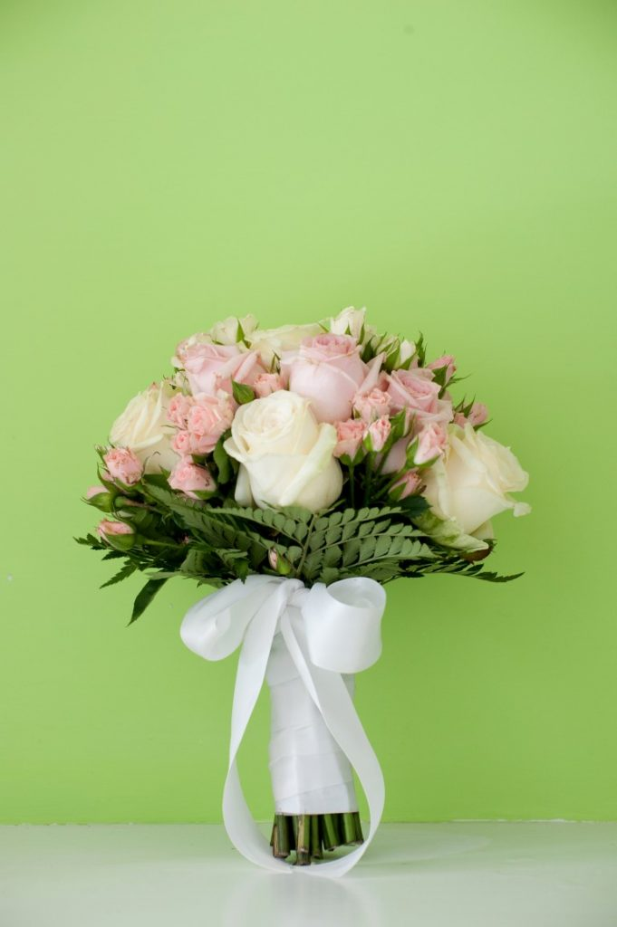 pink wedding flowers peonies and roses italy weddings
